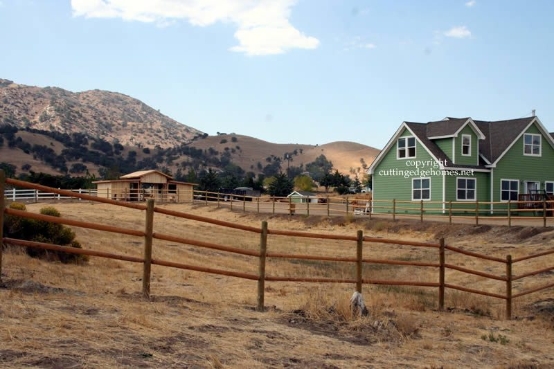 custom-cape-house-with-fencing-0908