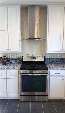 edgewater-062015-19-kitchen